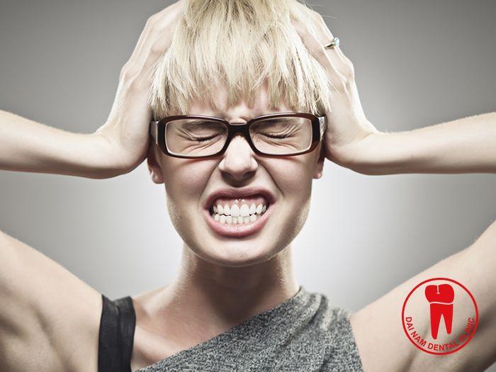 Căng thẳng là một trong những nguyên nhân gây ra bệnh nghiến răng
